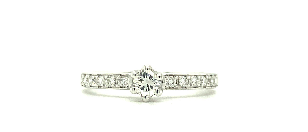 18 KT SIX PRONG SOLITAIRE RING