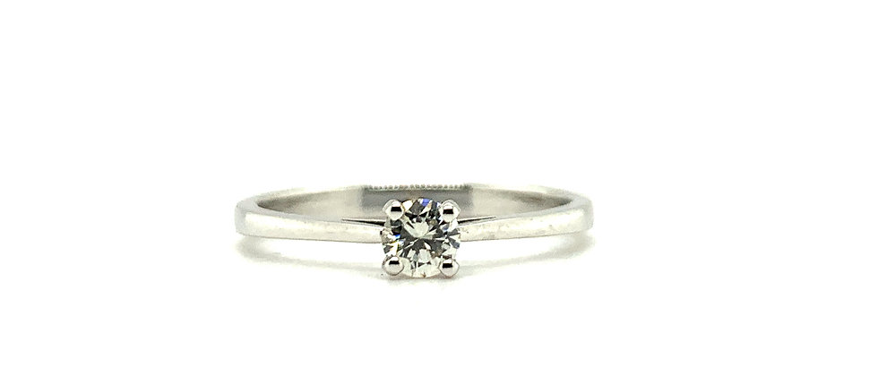 18 KT SINGLE DIAMOND SOLITAIRE