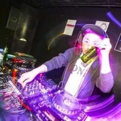 DJ TAKA(THREE ARROWS/ONEDROP clothin