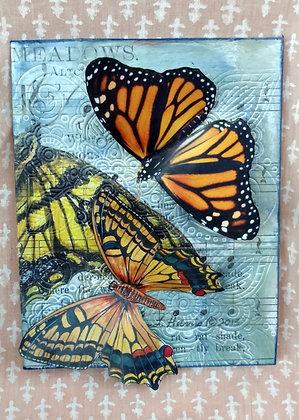 Postal reciclada Mariposa Music