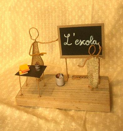 "Escultura papel ""Escuela"""