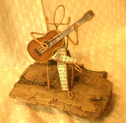 """Escultura papel """"Guitarrista"""""""