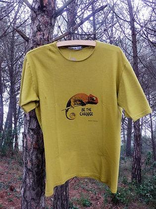 Camiseta Be the change