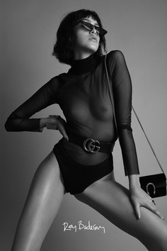 Photos: REY BADESAN / Model: ANDREA FLORES / Styling: BÁRBARA, ITZEL, ANETTE / MakeUp&Hair: ARIEL PEIMBERT / Clothes: LOUIS VUITTON, PRADA, GUCCI y CHANEL.