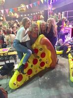 pizza_and_prosecco_2_1.jpg