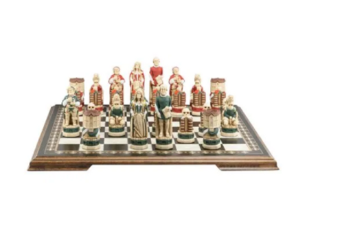 Studio Anne Carlton Shakespeare & The Globe Handpainted Chess Set Pieces