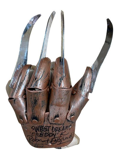 Freddy Krueger Plastic Replica Glove Sweet Dreams Black Signed by Robert Englund