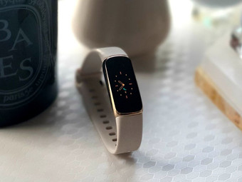 Fitbit Luxe Review: Slimmest Tracker With Big Offerings