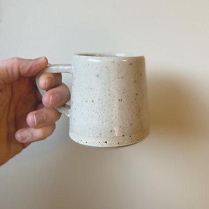 Lavastøv kopp med hank