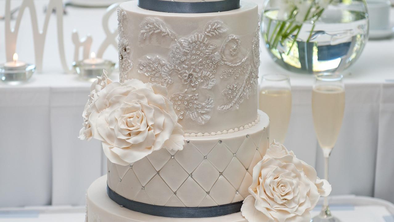 Elegnat Wedding Cake