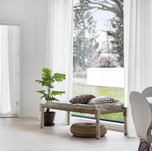 Srora fönster i vardagsrummet