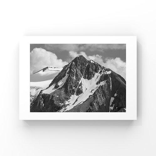 "Classic Mount Fee - 24"" x 36"""