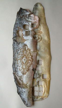 Velbekomme - Fish Skin