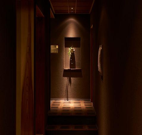 おか田廊下、お迎え処、飾り、ダウンライト