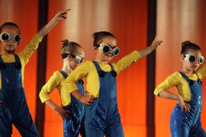 Minion Dancers