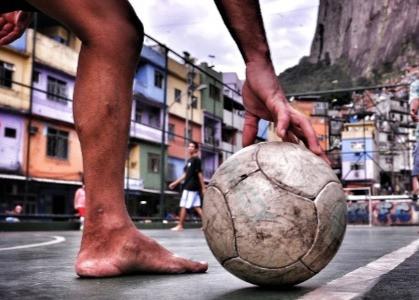 Futebol ao sol e à sombra – Eduardo Galeano