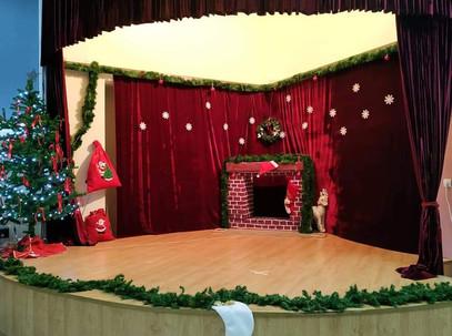 Το σχολείο μας έτοιμο για την Χριστουγεννιάτικη εορτή!