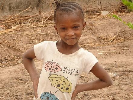 Meisje in Gambia  stichting just let it happen