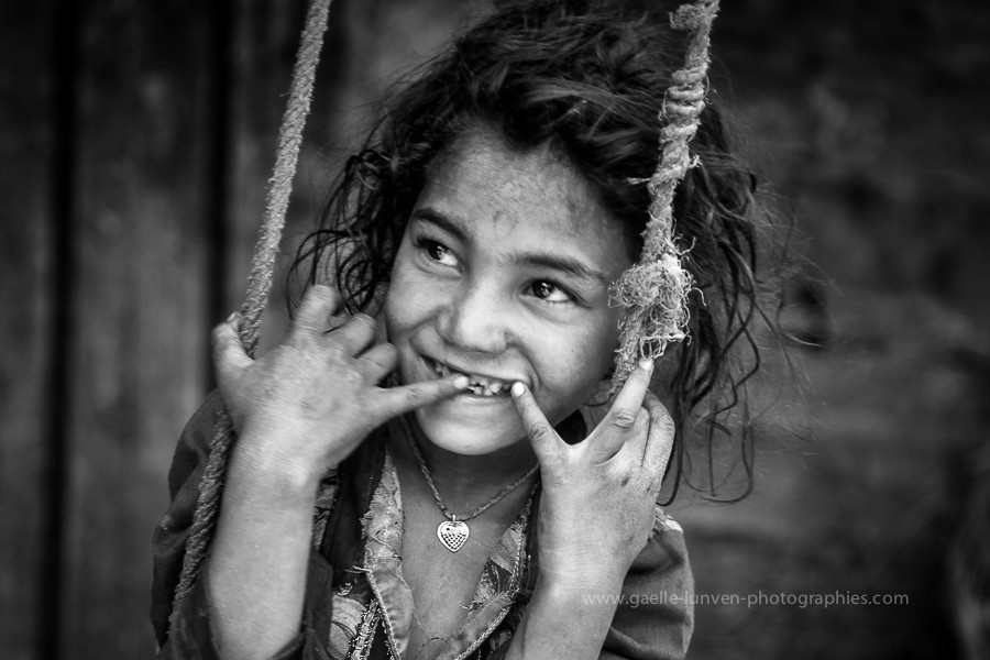 Shyness-3-India-2014-by-Gaelle-Lunven.jpg