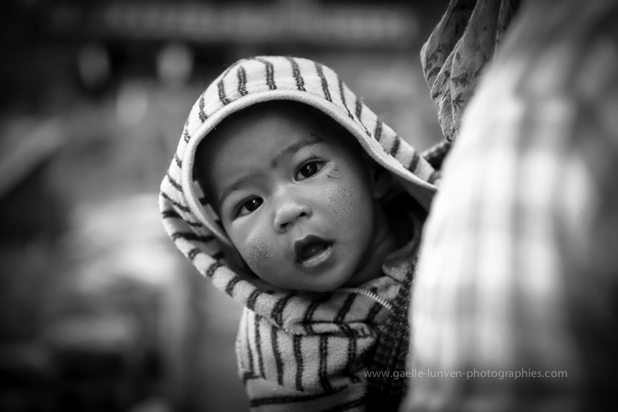 baby-portrait-India-2014-by-Gaelle-Lunven.jpg