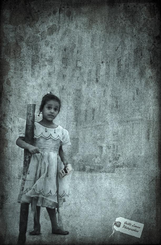 Yemen-Est-petite-fille-1finale-par-Gaelle-Lunven.jpg