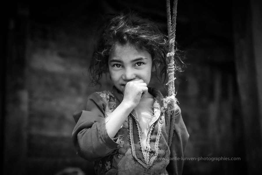 Shyness-2-India-2014-by-Gaelle-Lunven.jpg