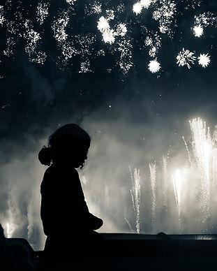 Fille-2-etoiles-firework-bd.jpg