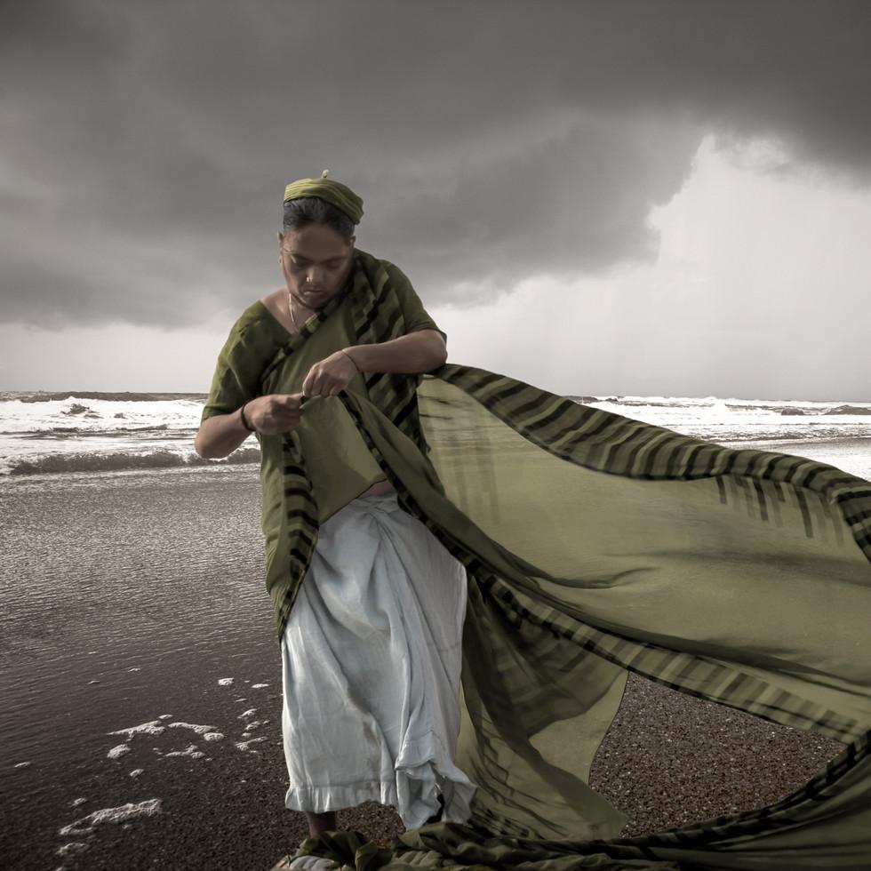 Sari in the wind / Sari dans le vent