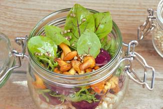 Herbstsalat mit Eierschwammerl & Rauner