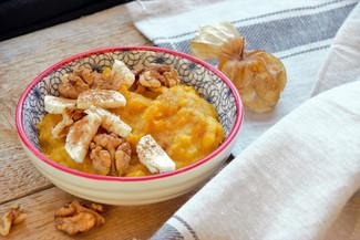 Kürbis Porridge mit Walnüssen