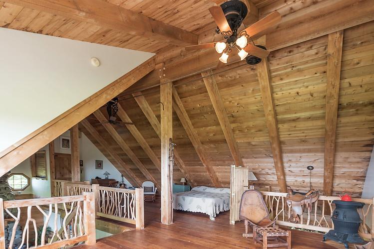 King size Bed Upper loft Room