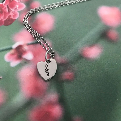 music note on little heart with chain necklace
