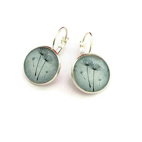 grey/green dandelions