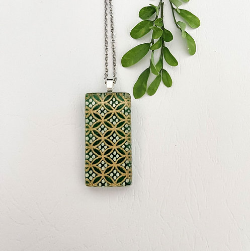 green with gold and white pattern ~ glass necklace