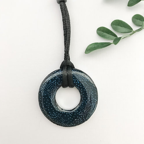 washer pendant – navy blue