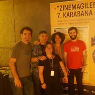 Foto grupal de miembros de KCD
