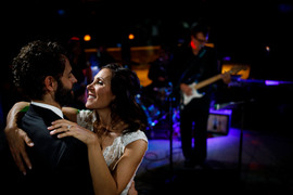049_The-couple-dance-together-as-Jonny-M