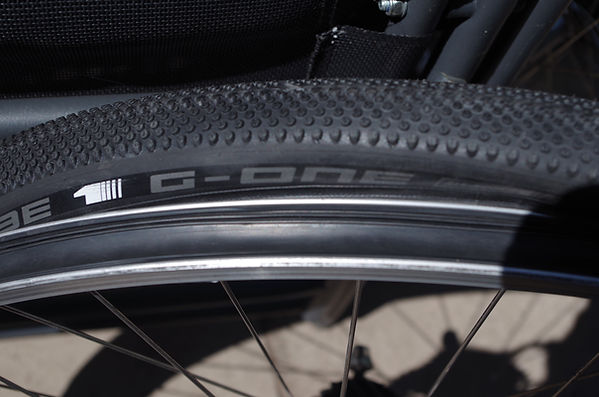 Schwalbe G-One All round Gravel bike bicycle tyre Joe's no flats universap conversion tubeless kit