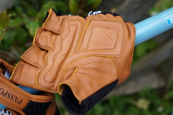 Passport retro vintage crochet back fingerless glove mitts mitt cycling bike cycle