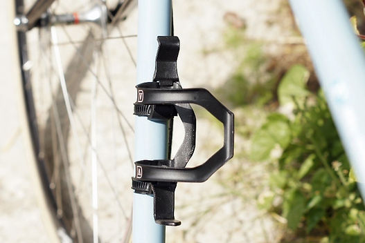 Vel SE Side Entry bicyle bottle cag test review