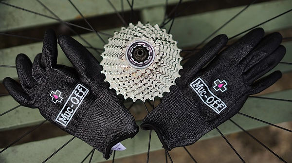 gloves wheel bicycle mechanics maintenance workshop cassette