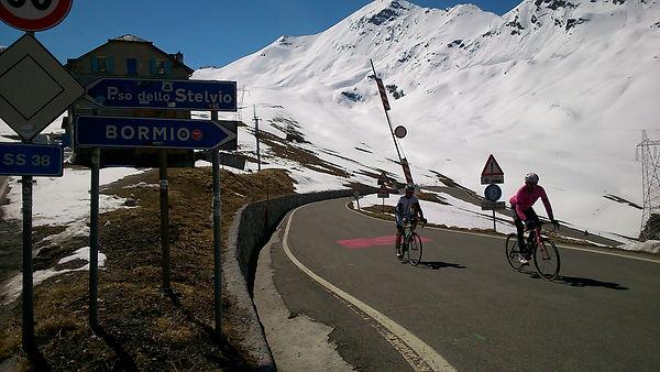 Mick Ives Stelvio Solo Giro Snow alps