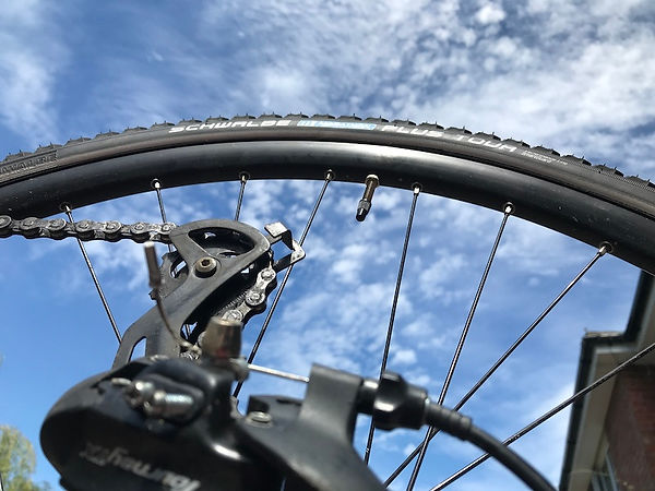 bike tyretire sky schwalbe tour marathon plus