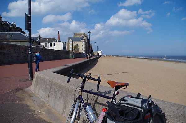 Portobello seafront cycleroute scottsh c2c sea to cycling
