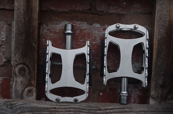 pedals bicycle bike platform flat velo orange touring leisure