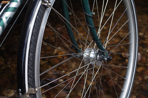 bicycle wheel hub spokes