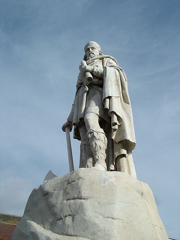 wantage oxfordhsire alfred the great statue anglo saxon king