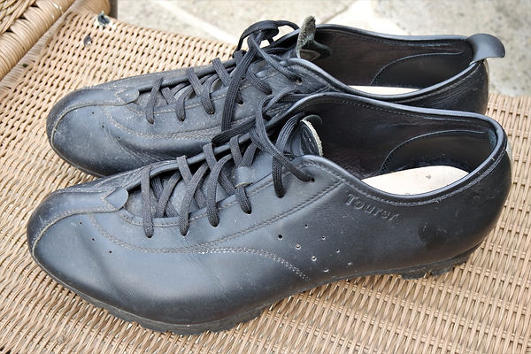 leather touring shoes cycle bicycle cycling Quoc Pham