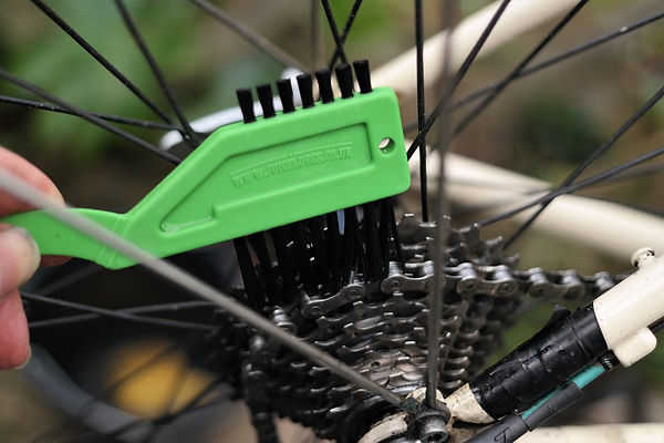 chain brush lean cassette chain bicycle cycle bike