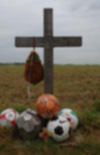 Cross Christmas Day Truce 1914 football Ploegsteert Belgium